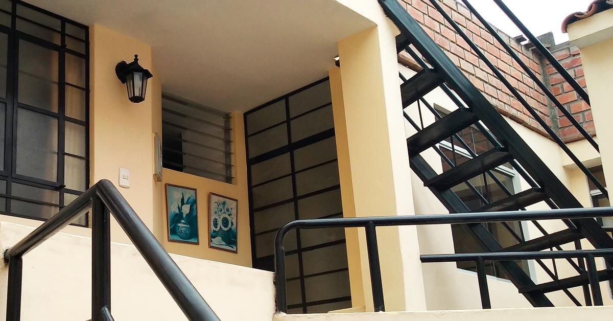 Minidepartamento en Pueblo Libre en 2do piso Amplio - CasasDepasyCuartos.com