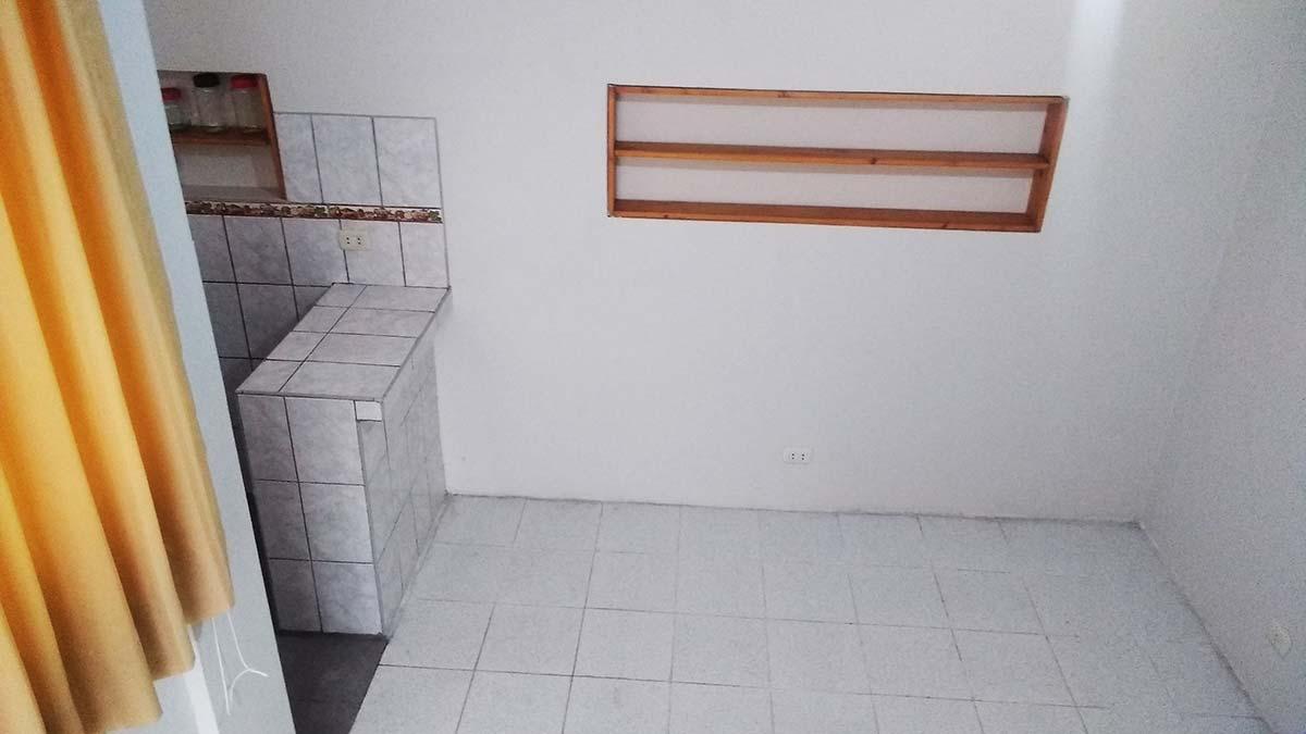 Kitchen Bar al lado del Cuarto - Monoambiente 2do piso Pueblo Libre - CasasDepasyCuartos.com