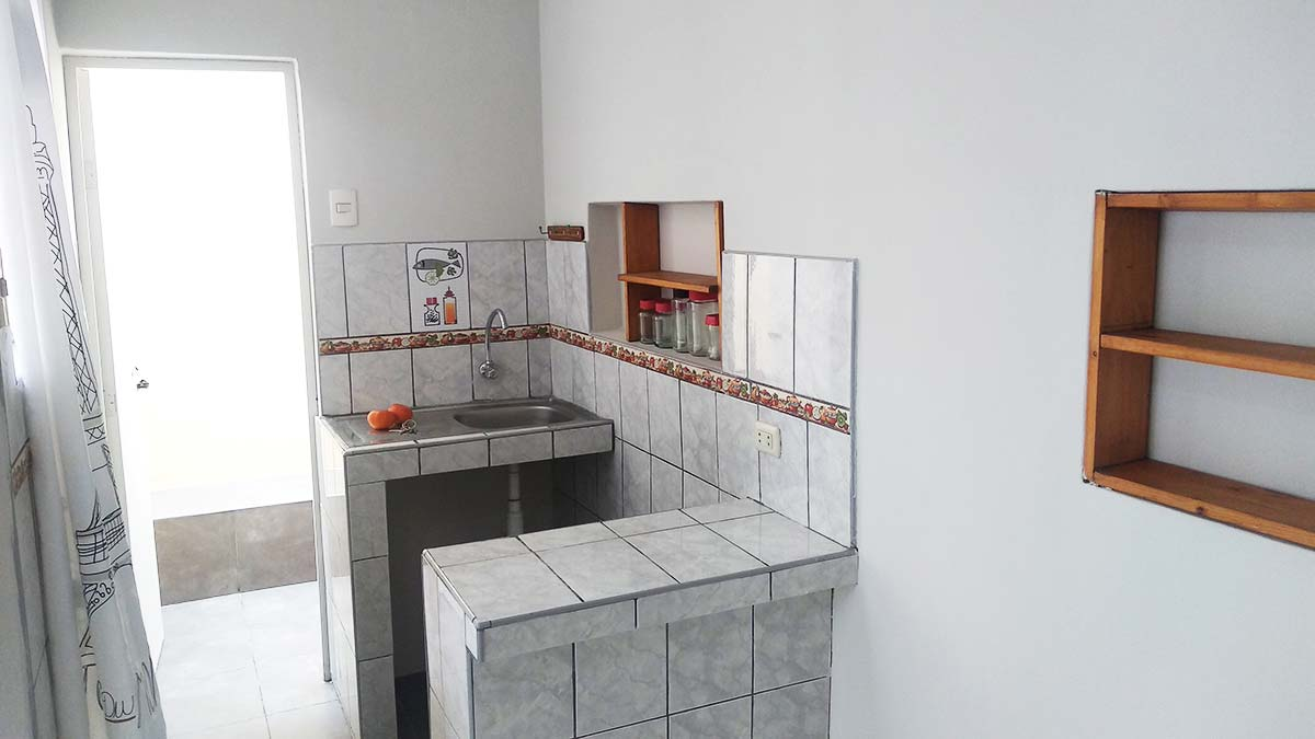 Kitchen bar con lavadero Mono Ambiente 2do Piso Pueblo Libre - CasasDepasyCuartos.com